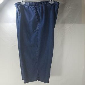 White Stag Indigo Blue Jeans Capri Pants